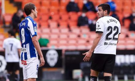 El Valencia recibe el Alavés en plena tómbola de fichajes