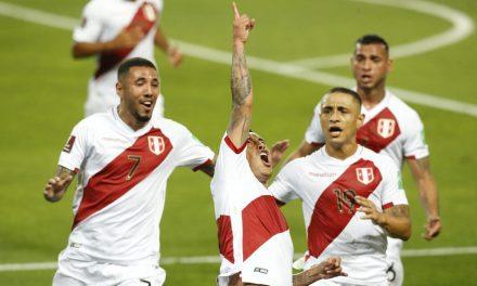 Perú derrotó 2-0 a Chile y continúa con vida en las Eliminatorias Sudamericanas rumbo a Qatar 2022
